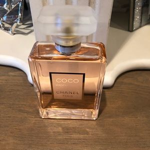 Coco Mademoiselle Chanel Parfume